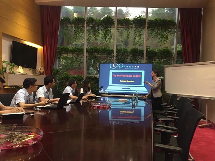 深圳企业英语培训同博英语机构走进冠旭股份有限公司